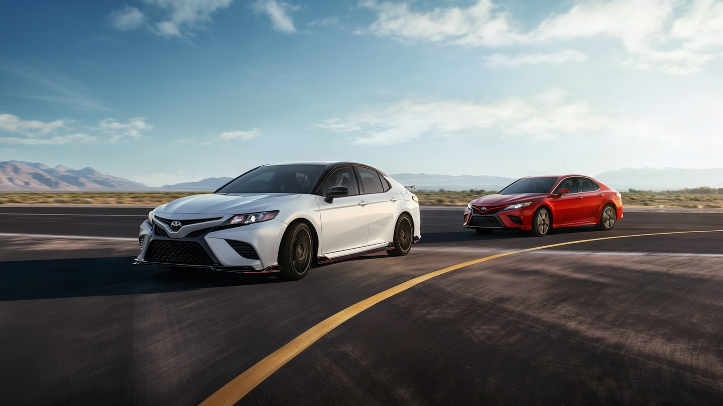 2020 Toyota Camry Leasing near Loves Park, IL