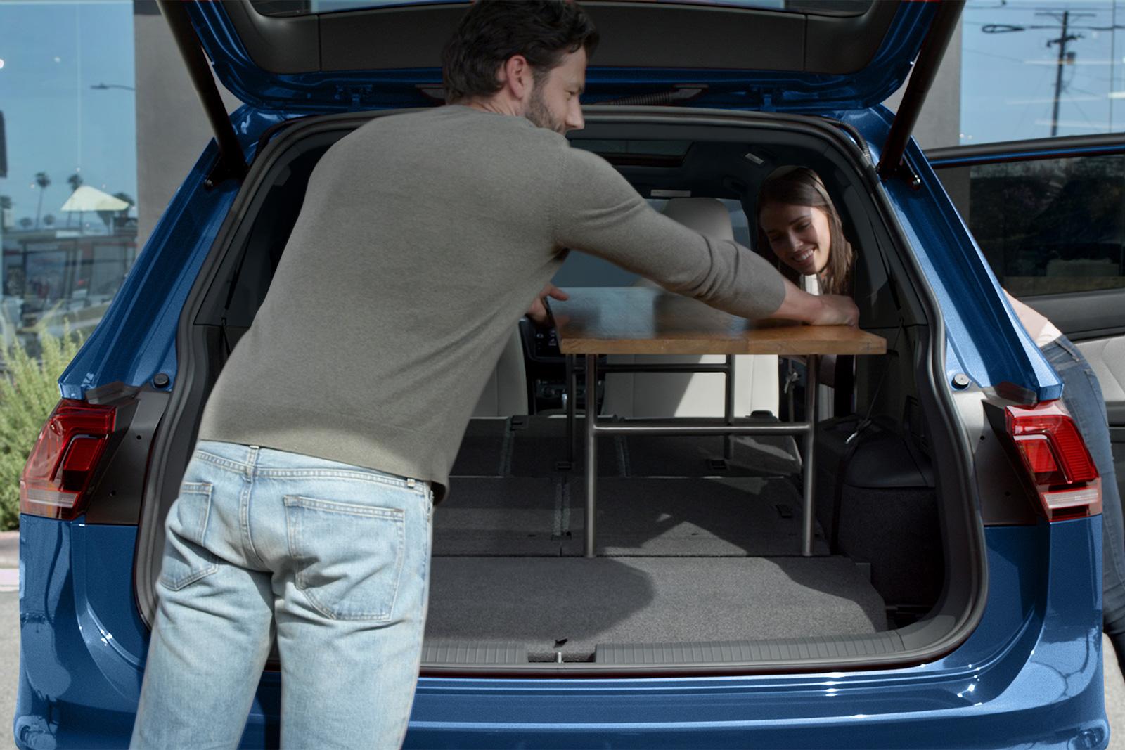 Encuentra la versatilidad que buscas al plegar los asientos de esta SUV.