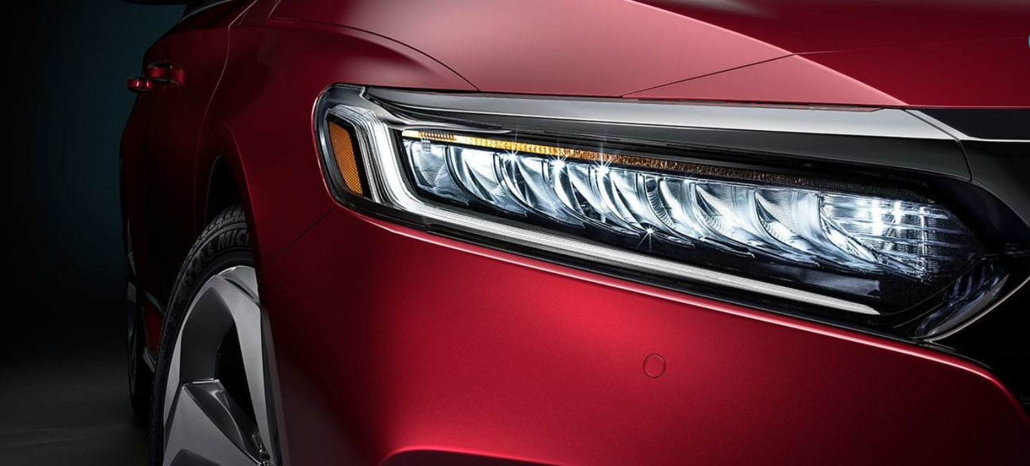Vibrant Headlights of the 2020 Accord
