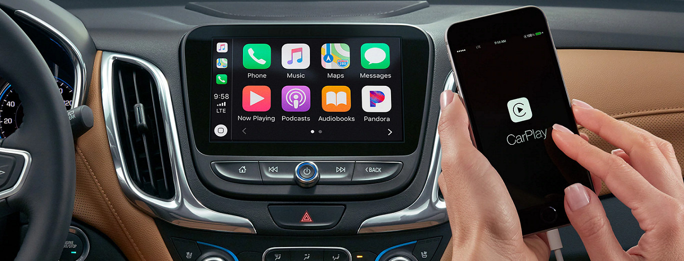 Standard Apple CarPlay® in the 2020 Equinox