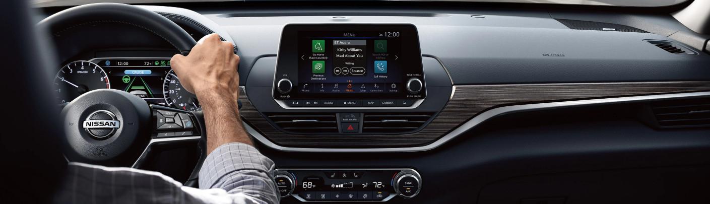 2020 Nissan Altima Center Console