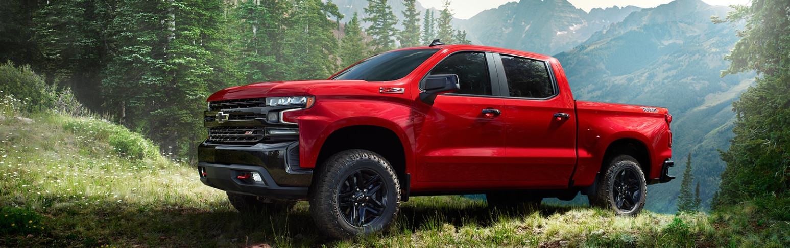 2019 Chevrolet Silverado 1500 Trailboss vs 2019 Ram 1500 Rebel® near North County, CA