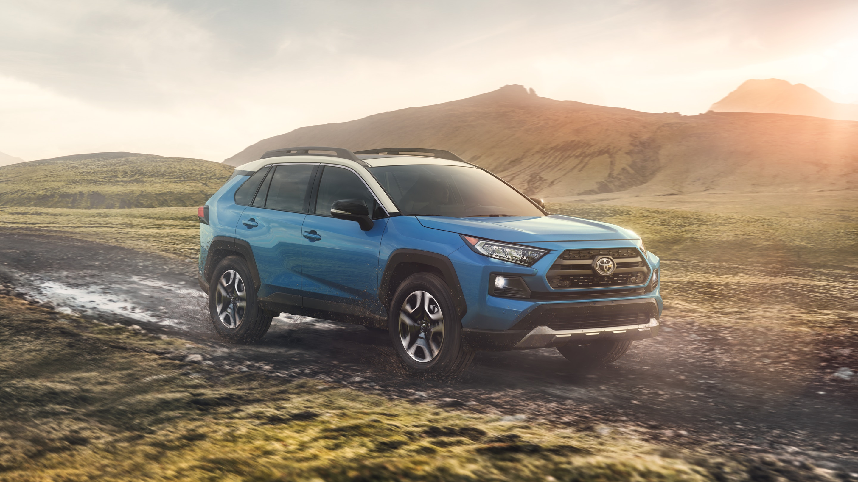 2019 Toyota RAV4 vs 2020 Nissan Rogue in Jamaica, NY