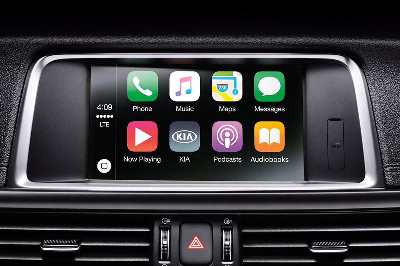 Standard Apple CarPlay® in the 2020 Optima