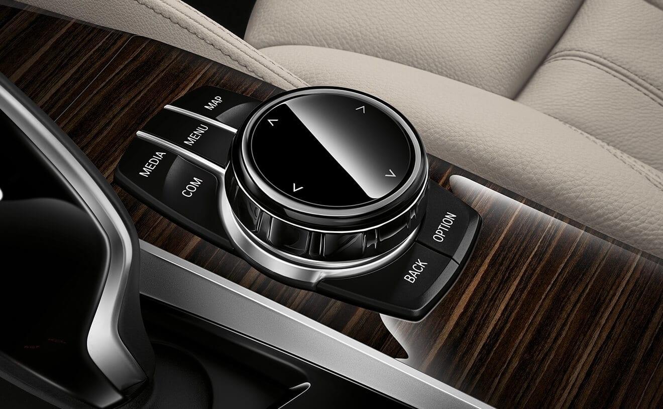 2020 BMW 5 Series Detailing
