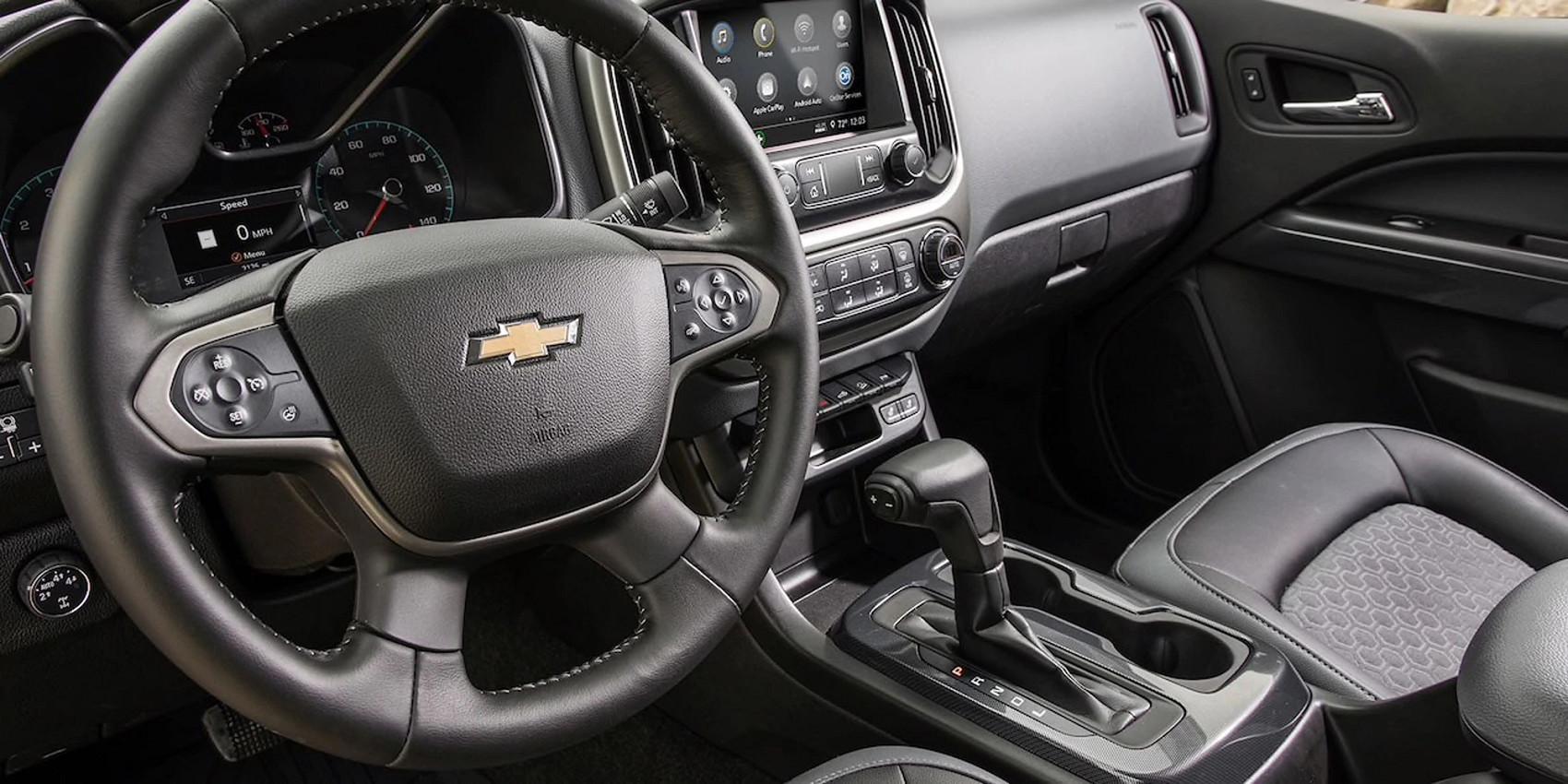 Optional Heated Steering Wheel in the 2020 Colorado