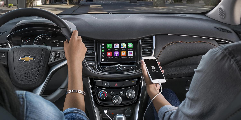 Standard Apple CarPlay™ in the 2020 Trax