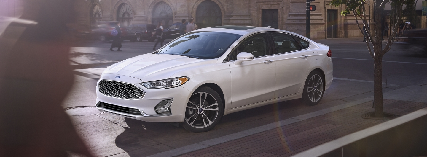 2020 Ford Fusion vs 2020 Toyota Camry near Chicago, IL
