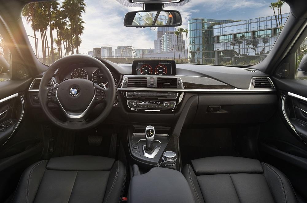 BMW 3 Series Interior vs Cadillac CT5