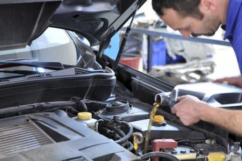 mechanic-changing-oil