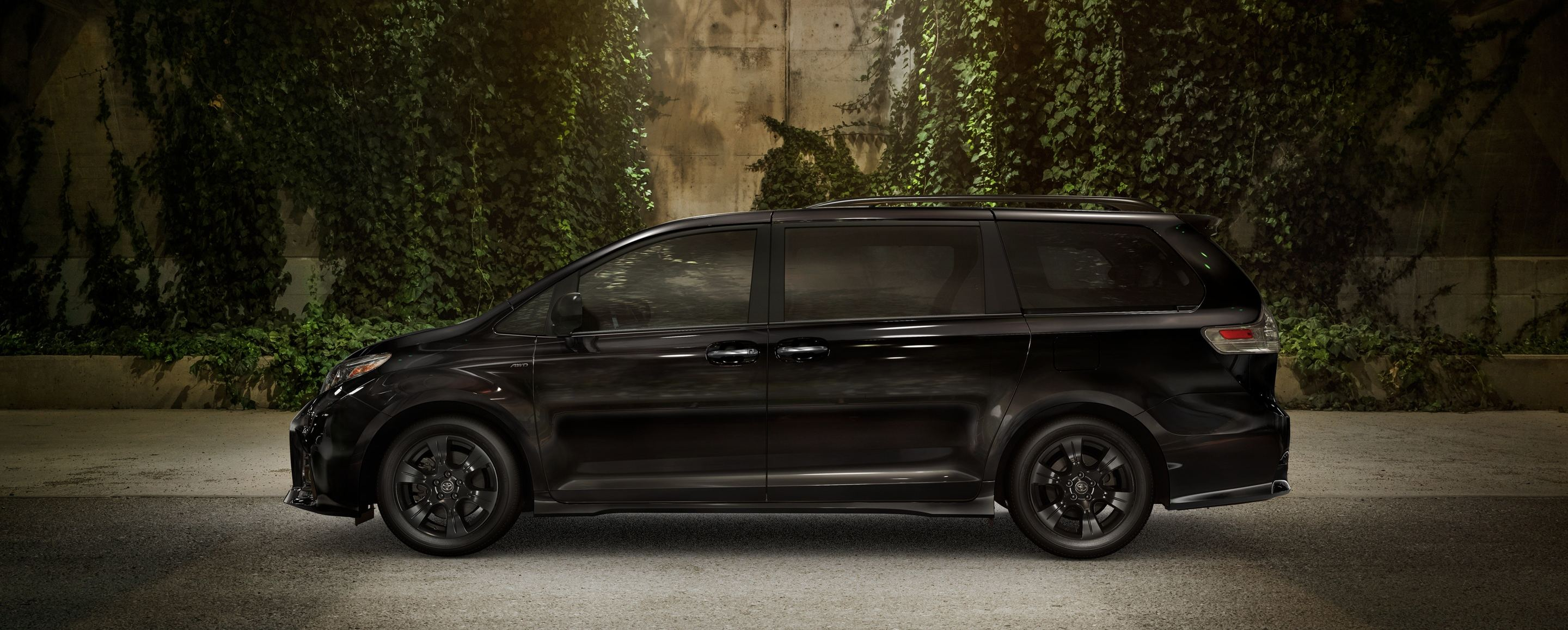2020 Toyota Sienna Financing near Oak Brook, IL