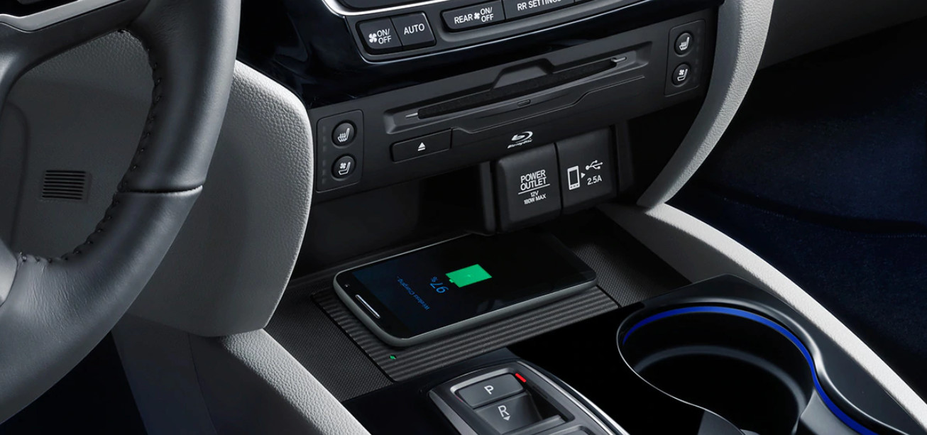 Wireless Charger in the 2020 Honda Pilot