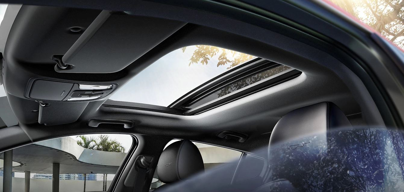 Sun Roof in the 2020 Stinger