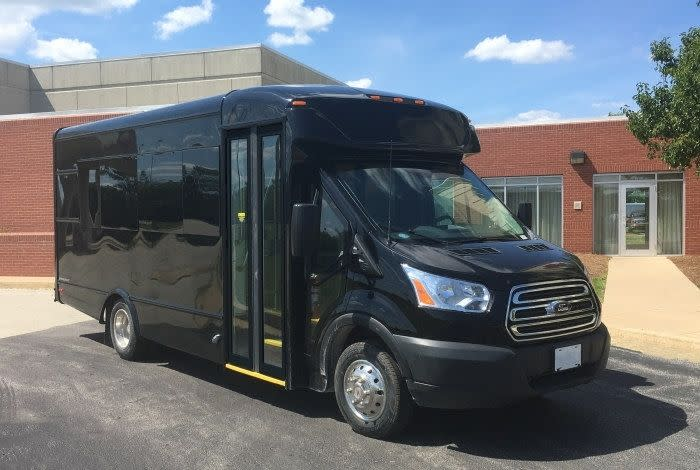 Used Hotel Shuttle Buses for Sale in Kankakee, IL
