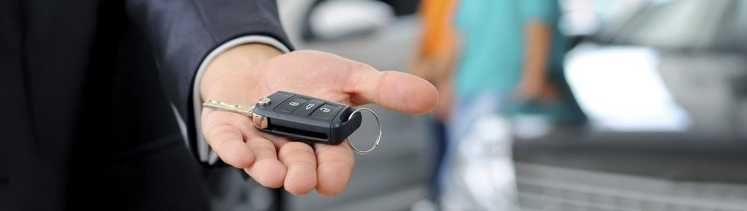 handing over keys to a brand new Hyundai