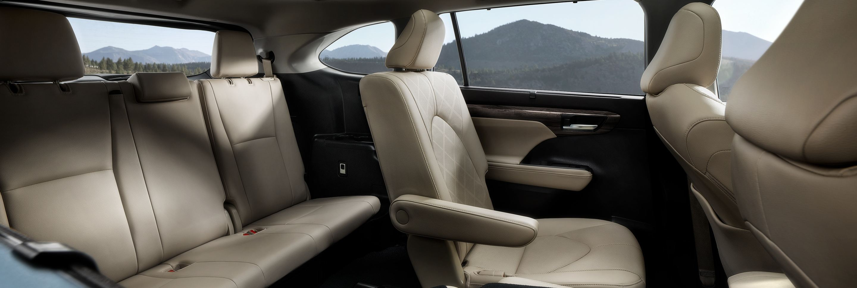 Premier Accommodations in the 2020 Highlander