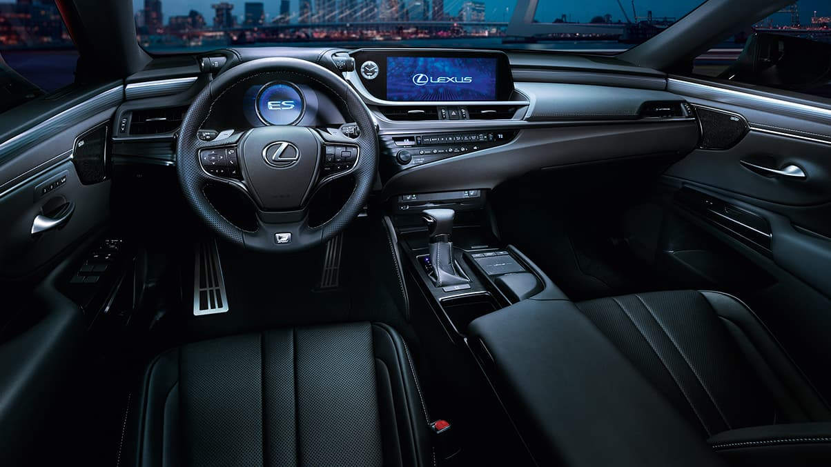 Tech-Loaded Cabin of the 2020 ES 350