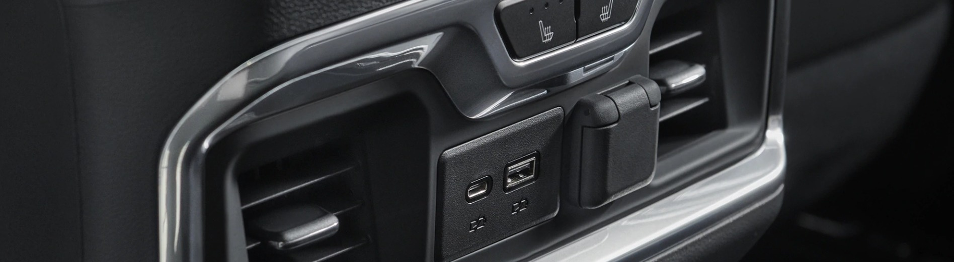 2nd-Row Amenities in the 2020 Silverado 1500