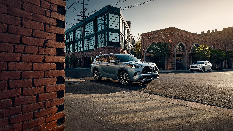 2020 Toyota Highlander for Sale in Kansas City, MO, 64114