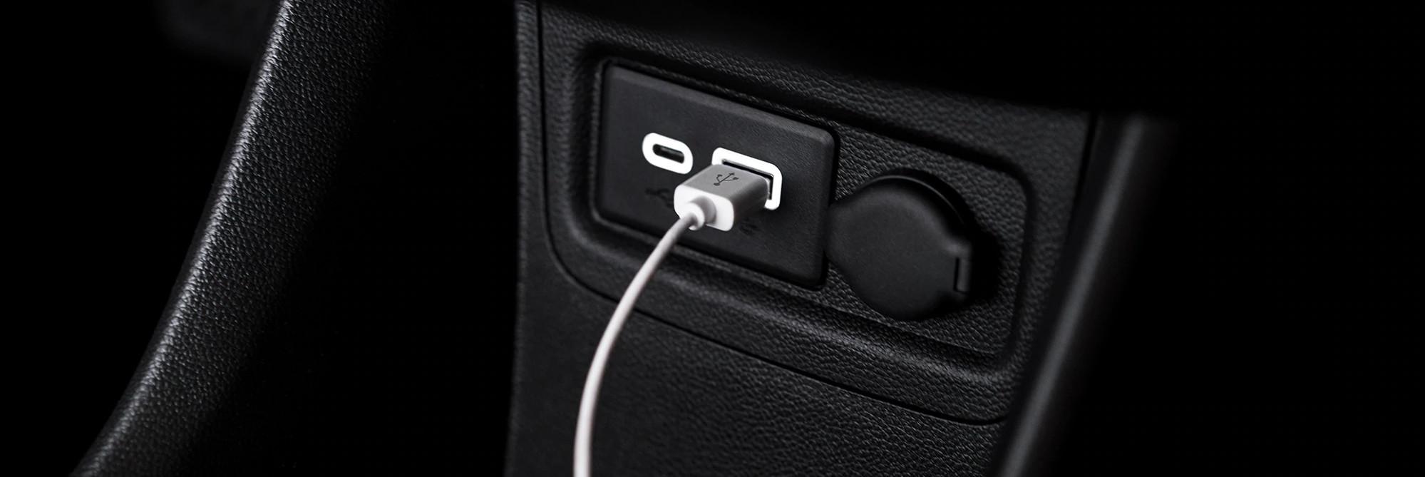 Hay dos puertos USB para que cargues tus dispositivos.