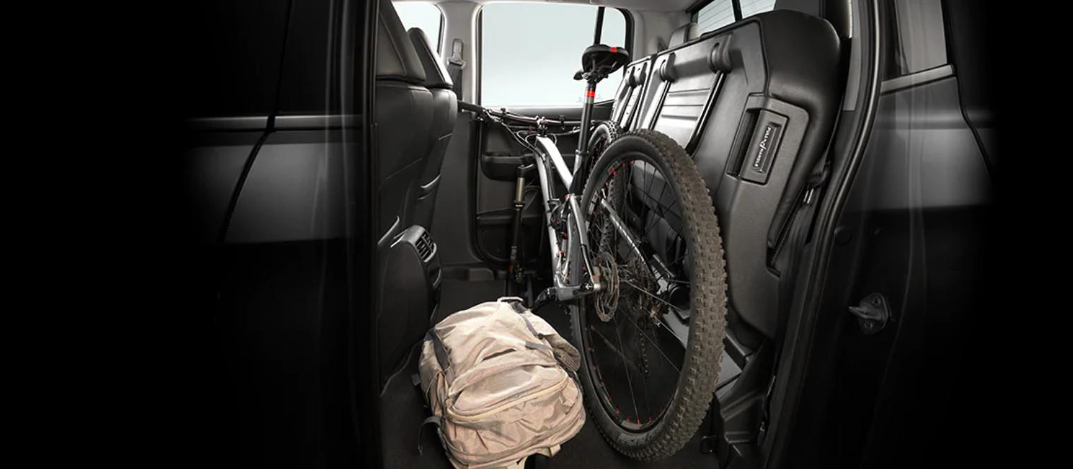 Pliega los asientos fácilmente y tendrás espacio para objetos de gran volumen.