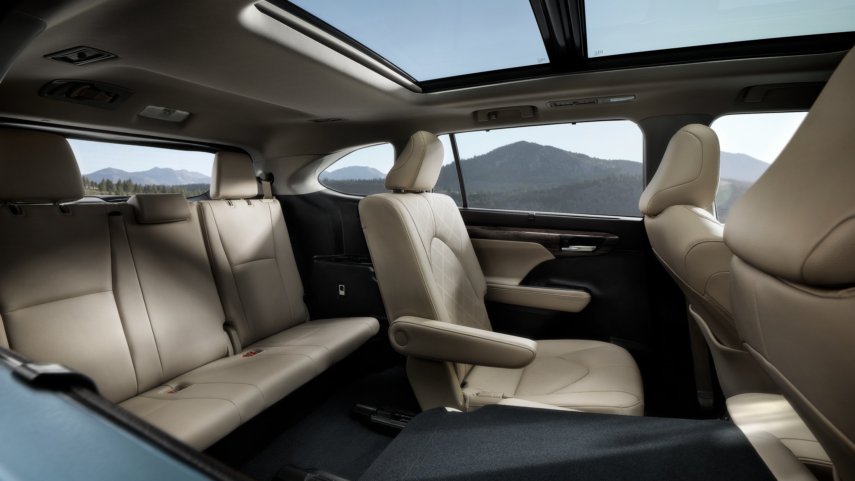 2020 Toyota Highlander Available Leather-Trimmed Interior