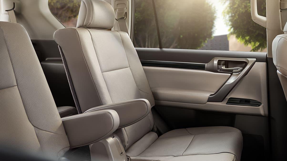 2020 Lexus GX 460 Ecru Semi-Aniline Leather-Trimmed Seating