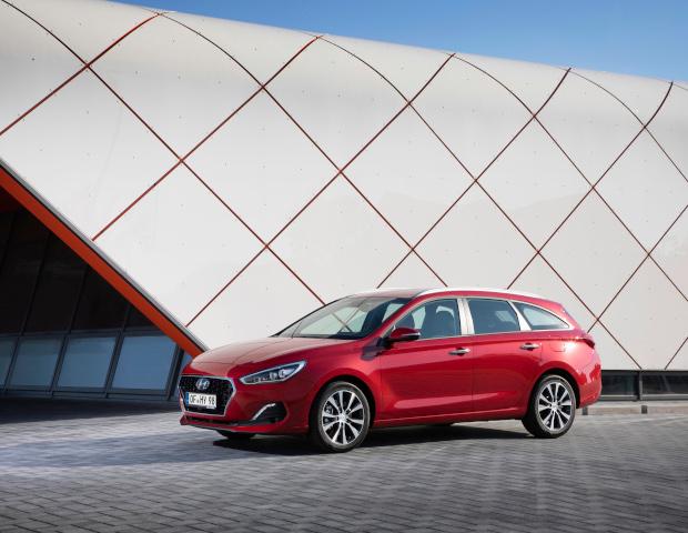 Hyundai i30 Wagon rood | Autobedrijf Noteboom