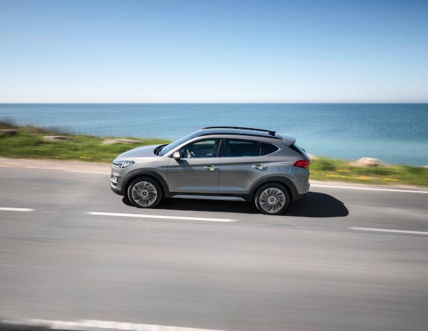 Hyundai Tucson zijkant silver| Autobedrijf Noteboom