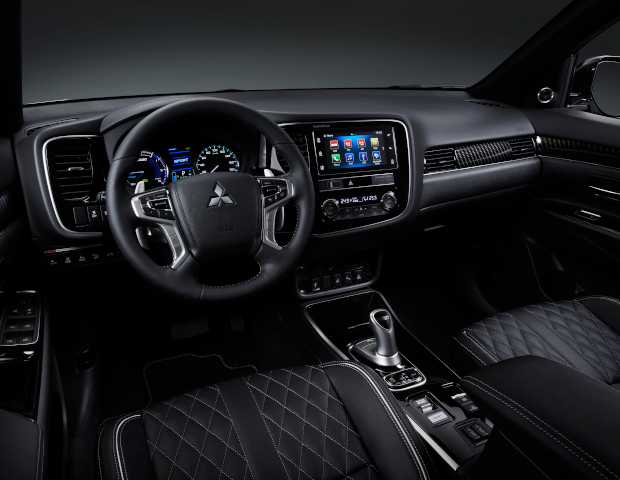 Mitsubishi Outlander PHEV dashboard | Autobedrijf Noteboom