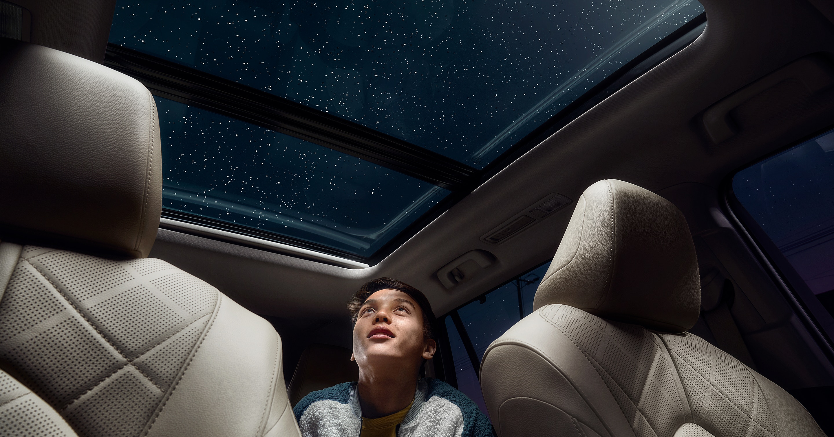 2020 Toyota Highlander Available Panoramic Moonroof with Harvest Beige Leather Trim