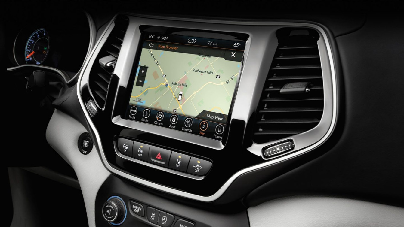 Touchscreen Display in the 2020 Jeep Cherokee