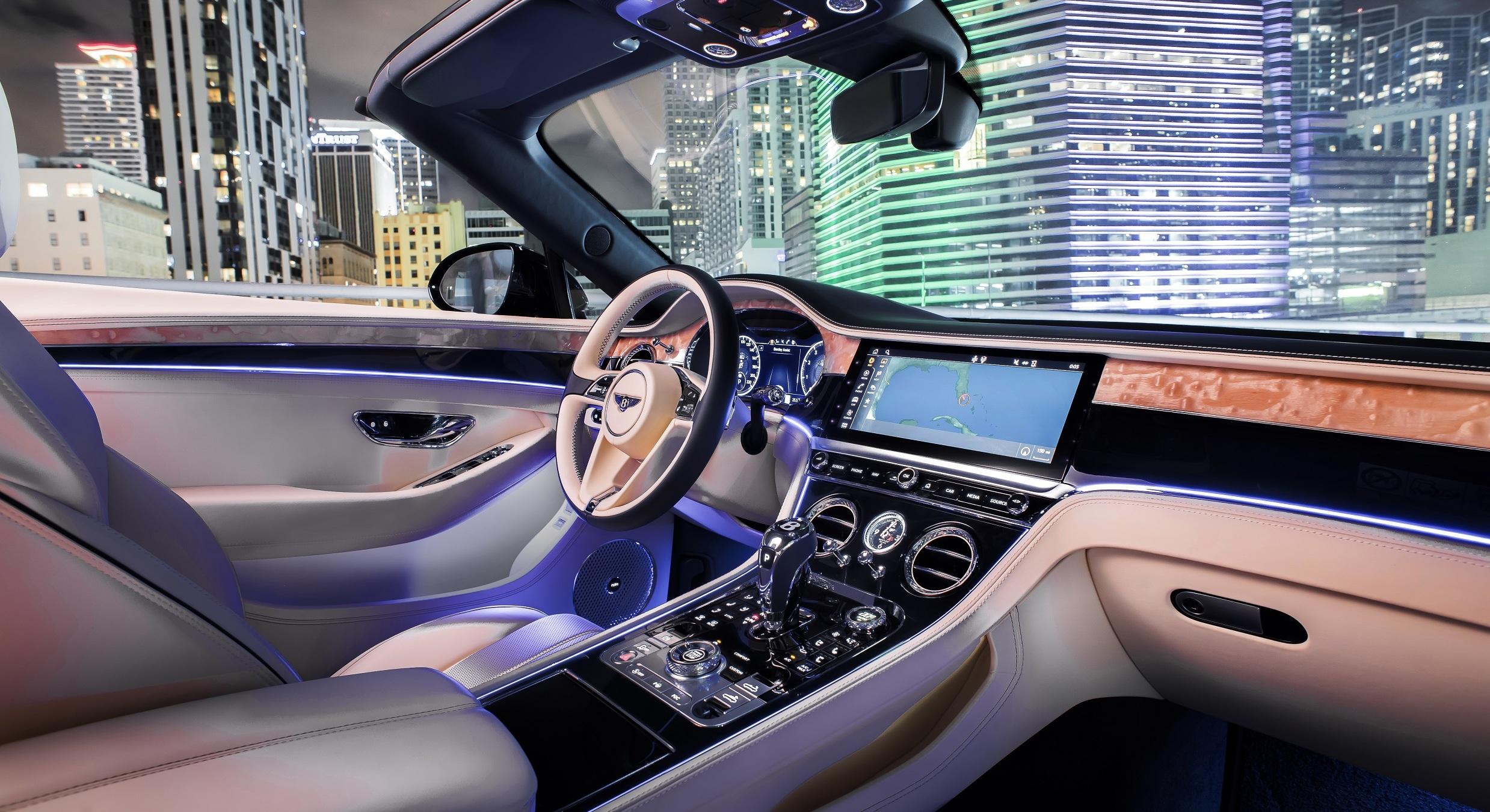 Mood Lighting in the 2020 Bentley Continental GT