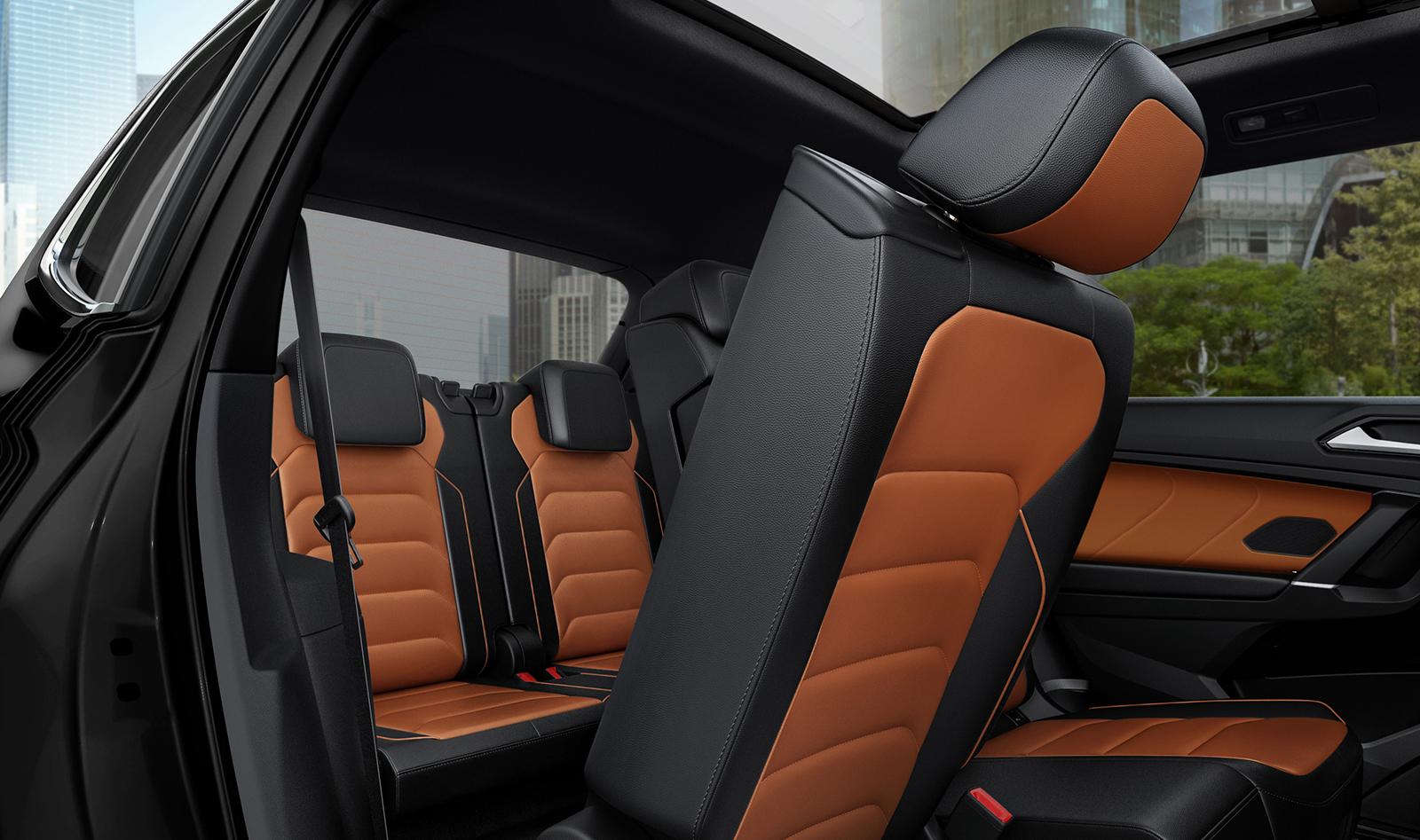 A la Tiguan la tienes disponible con dos o tres hileras de asientos.