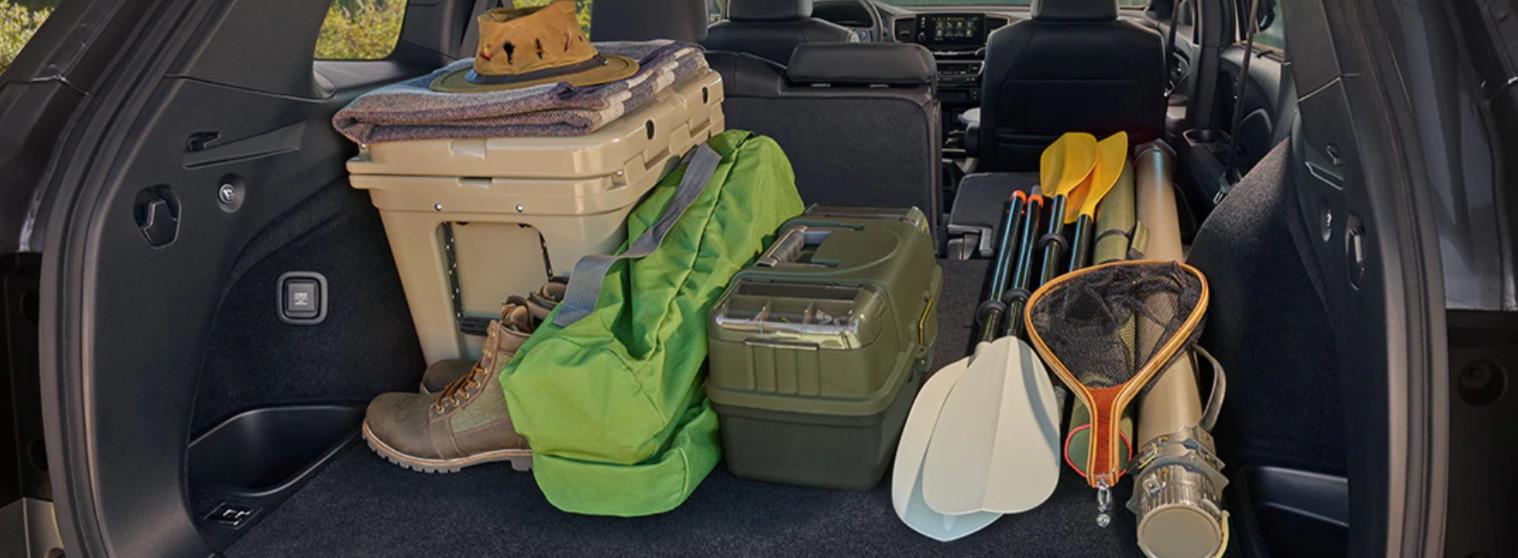¿Te vas de camping? El interior de la Passport tiene mucho espacio para tus cosas.