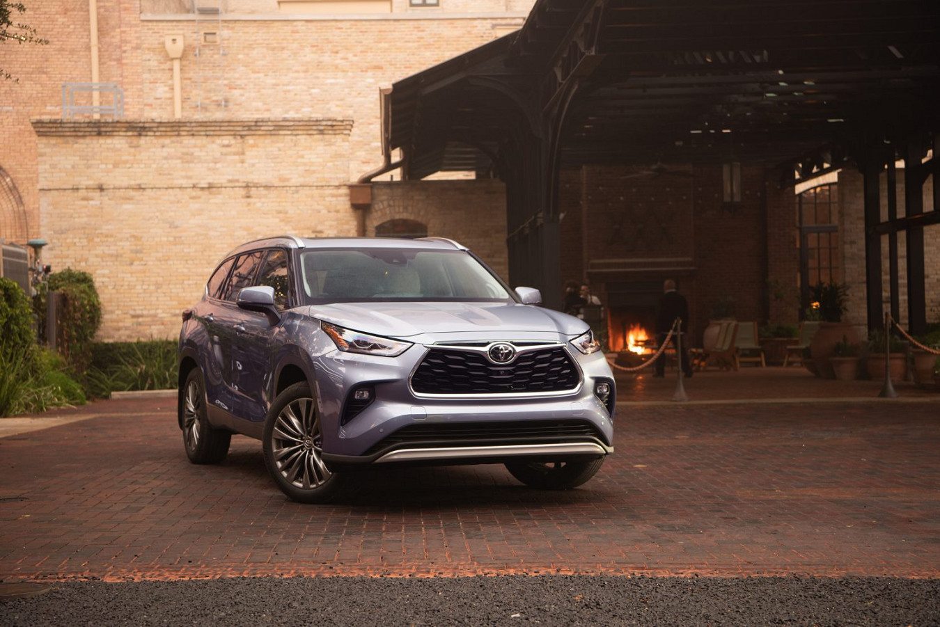2020 Toyota Highlander Lease near Lee's Summit, MO, 66086