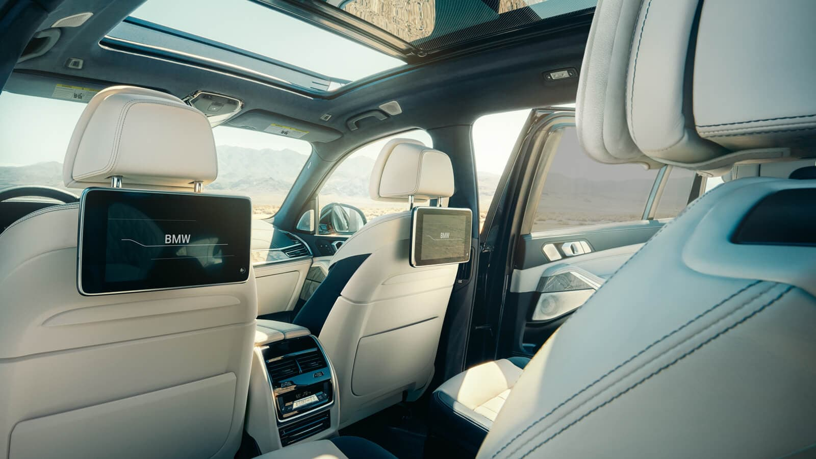 2020 BMW X7 Available Rear Seat Entertainment Package