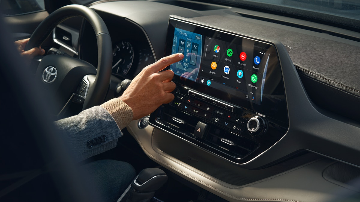 Infotainment in the 2020 Toyota Highlander