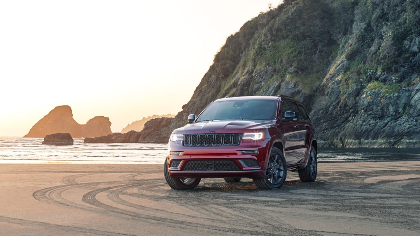 2020 Jeep Grand Cherokee Key Features near Chicago, IL