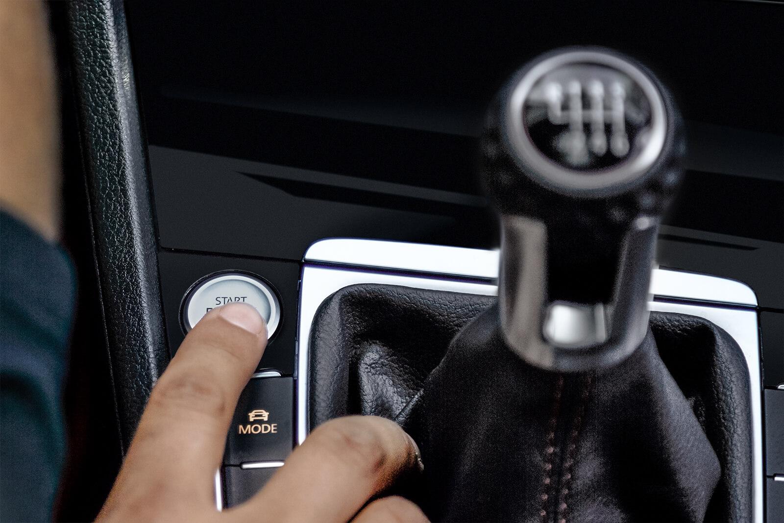 Enciende el carro con solo presionar un botón.