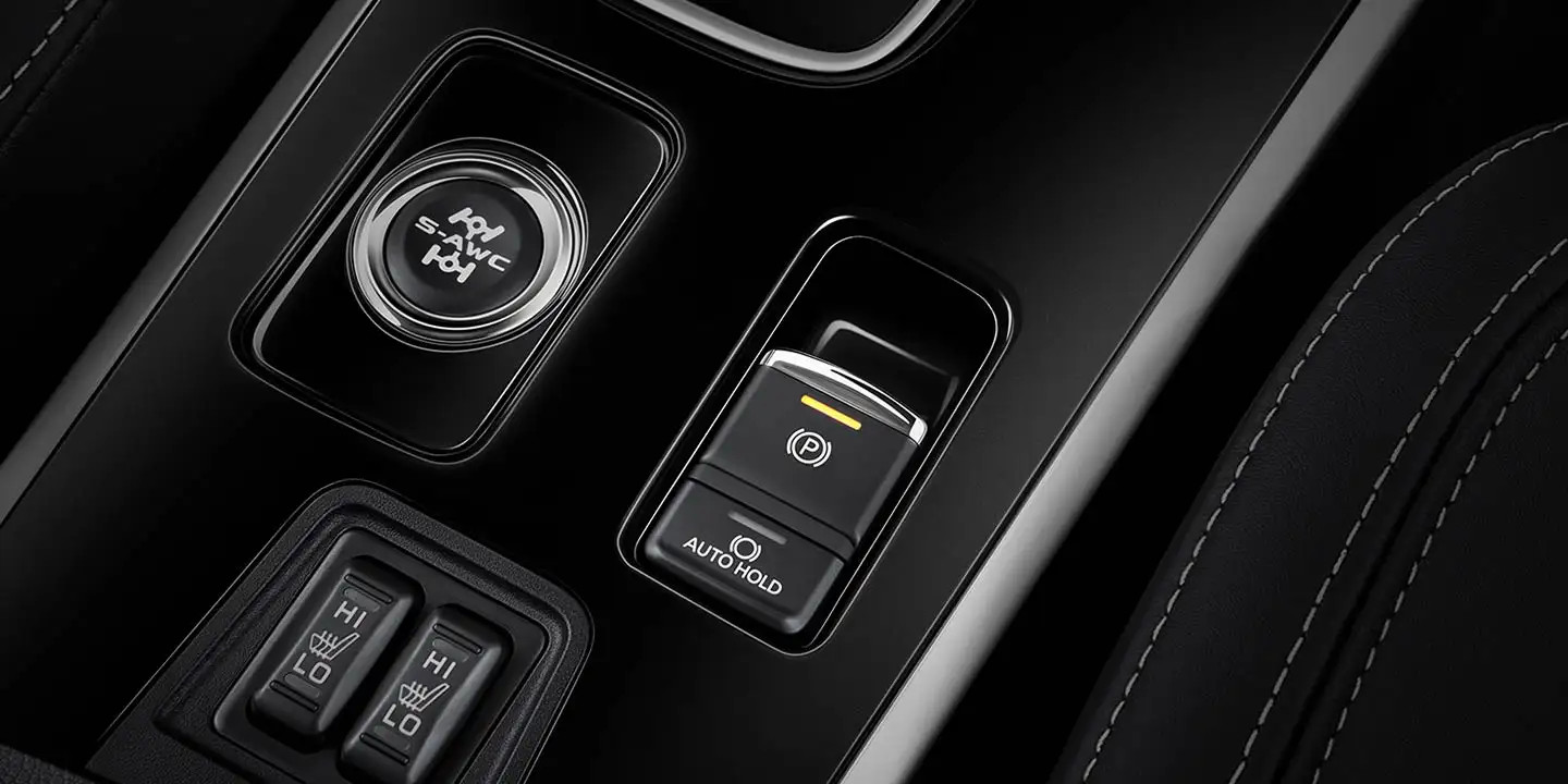 Driving Controls in the 2020 Outlander
