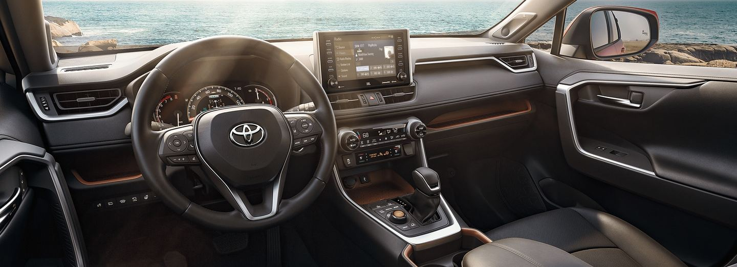 Tech-Loaded Cabin of the 2020 RAV4