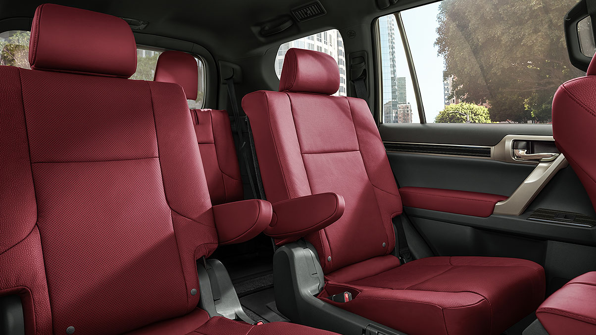 Cabin of the 2020 GX 460