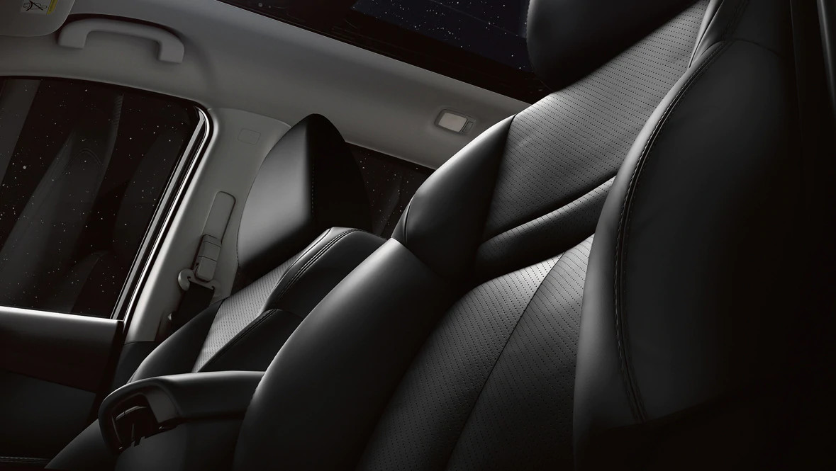 Leather Seating in the 2020 Rogue