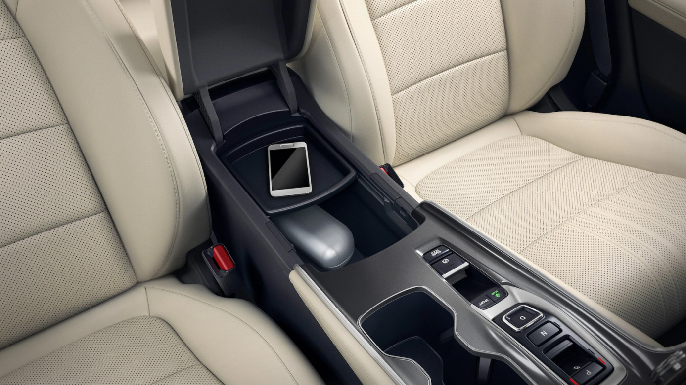 Front Seats in the 2020 Accord