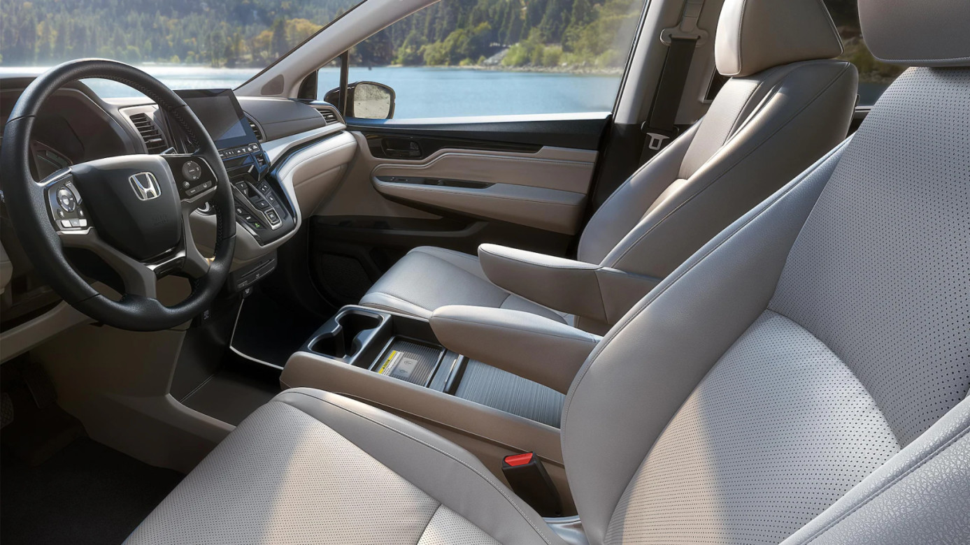 2020 Odyssey Front Seats