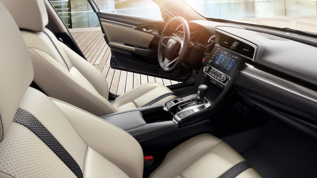 Front Seats in the 2020 Honda Civic