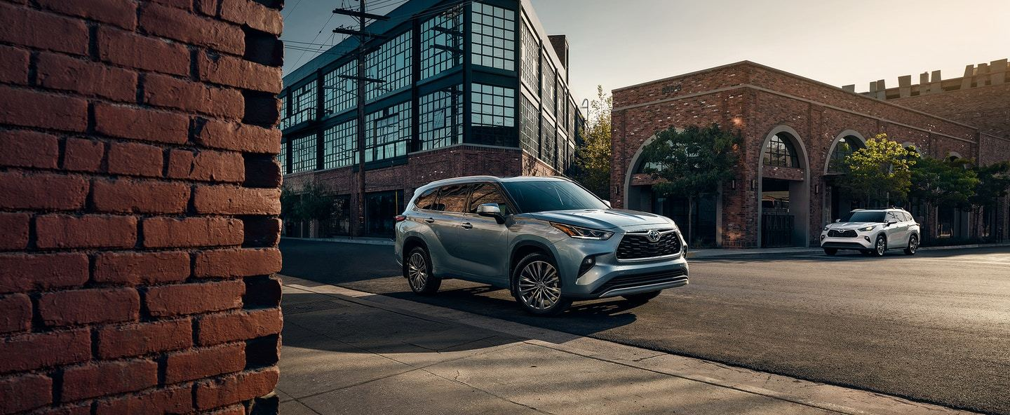 2020 Toyota Highlander Lease in Tinley Park, IL