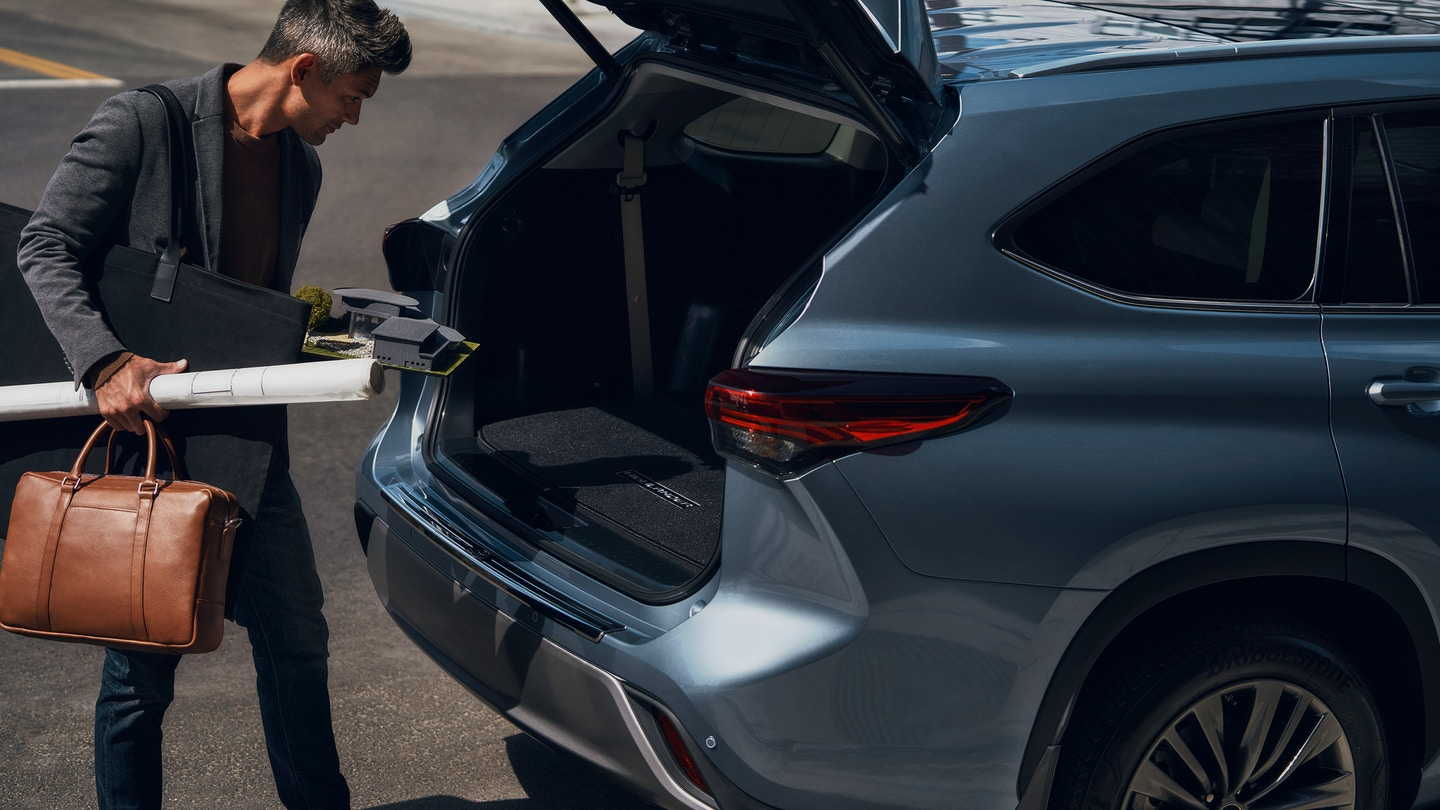 Hands-Free Liftgate