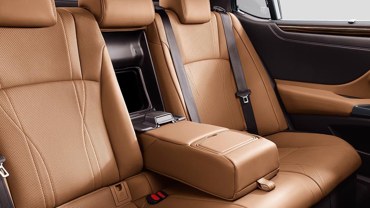 ES 300h Rear Seats